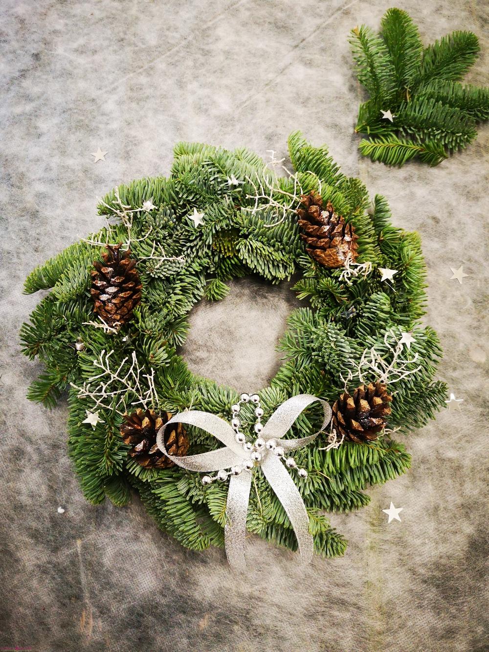 Kalėdinis puoštas vainikas NR1